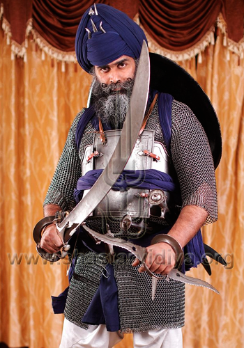 Gurdev Nidar Singh Nihang, the 'last surviving master of the Sikh warrior art', courtesy MailOnline, Nov 2011