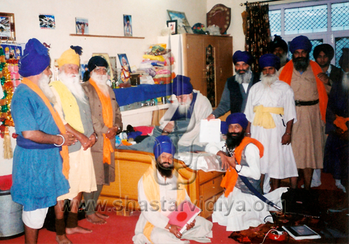 Akali Nihang Baba Santa Singh and the Nihangs of the Buddha Dal during the review of Nidar Singh Nihang's research