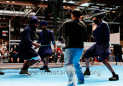 Nidar Singh Nihang executing Chandi Yudhan at the Martial Arts Show, 2010