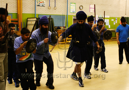 Nidar Singh Nihang instructing on battle formations, London